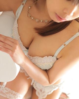 錦糸町人妻・お姉様専門デリバリーヘルス『秘密倶楽部 凛』モデル美鈴(みすず)写真2