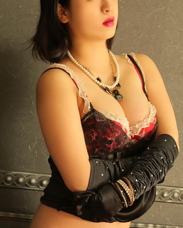 待ち合わせデリバリーヘルス・錦糸町人妻・お姉様専門・『秘密倶楽部 凛』モデル愛菜(あいな)写真5