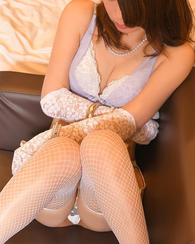 待ち合わせデリバリーヘルス・錦糸町人妻・お姉様専門・『秘密倶楽部 凛』モデルまな写真2
