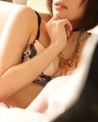 錦糸町人妻・お姉様専門デリバリーヘルス『秘密倶楽部 凛』モデル若菜(わかな)写真1
