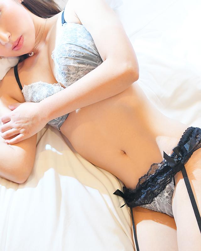 『秘密倶楽部 凛 TOKYO』錦糸町デリヘル 待ち合わせ型 人妻デリバリーヘルスレミさんのプロフィール写真3