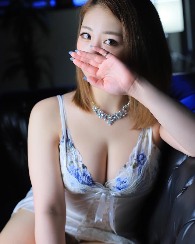 『秘密倶楽部 凛 TOKYO』錦糸町デリヘル 待ち合わせ型 人妻デリバリーヘルスあやさんのプロフィール写真2