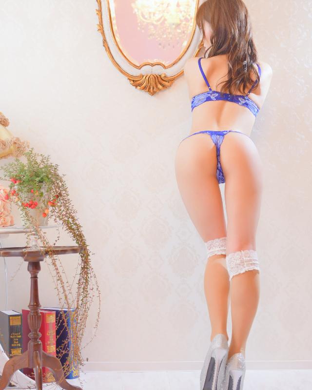 『秘密倶楽部 凛 TOKYO』錦糸町デリヘル 待ち合わせ型 人妻デリバリーヘルス静華さんのプロフィール写真5