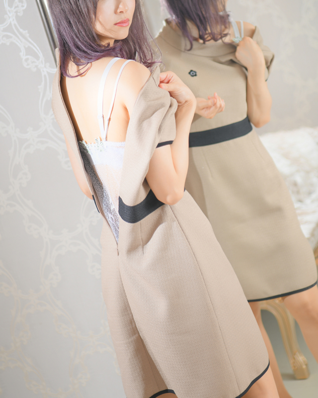 『秘密倶楽部 凛 TOKYO』錦糸町デリヘル 待ち合わせ型 人妻デリバリーヘルスりょうかさんのプロフィール写真2