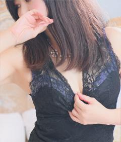 『秘密倶楽部 凛 TOKYO』錦糸町デリヘル 待ち合わせ型 人妻デリバリーヘルス新人モデルかすみさんの写真