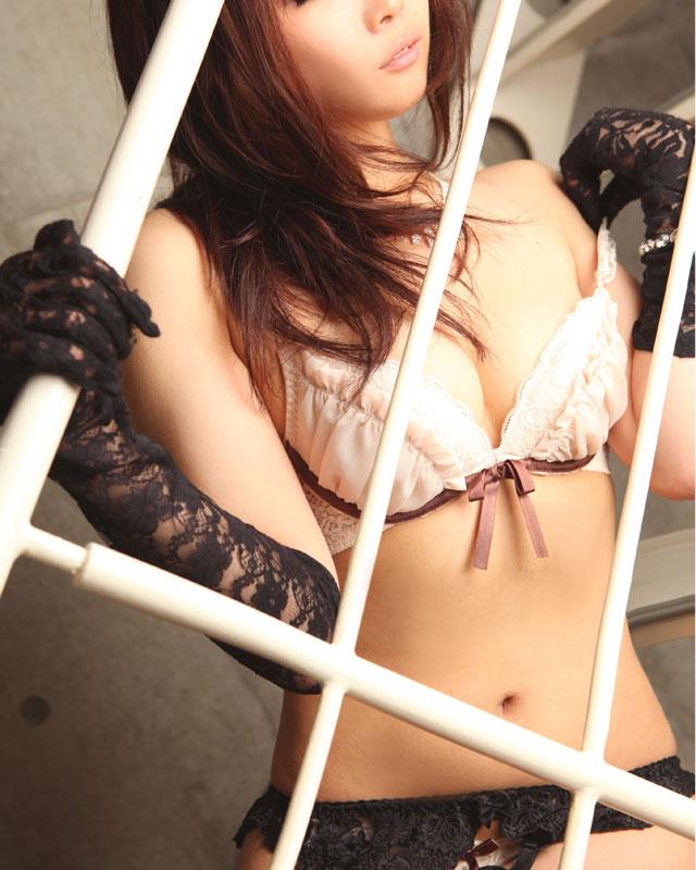 『秘密倶楽部 凛 TOKYO』錦糸町デリヘル 待ち合わせ型 人妻デリバリーヘルス奈実さんのプロフィール写真1