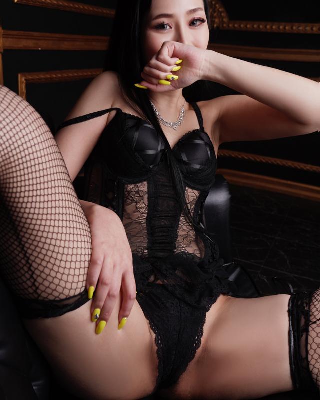 『秘密倶楽部 凛 TOKYO』錦糸町デリヘル 待ち合わせ型 人妻デリバリーヘルス朱夏さんのプロフィール写真2