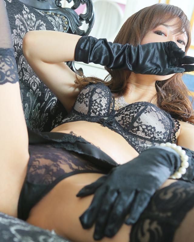 『秘密倶楽部 凛 TOKYO』錦糸町デリヘル 待ち合わせ型 人妻デリバリーヘルスりささんのプロフィール写真5