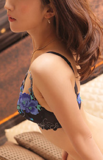 『秘密倶楽部 凛 TOKYO』錦糸町デリヘル 待ち合わせ型 人妻デリバリーヘルス莉紗さんのプロフィール写真