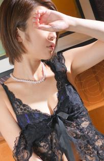 『秘密倶楽部 凛 TOKYO』錦糸町デリヘル 待ち合わせ型 人妻デリバリーヘルスかりなさんのプロフィール写真