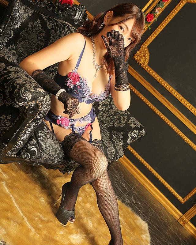 『秘密倶楽部 凛 TOKYO』錦糸町デリヘル 待ち合わせ型 人妻デリバリーヘルスりのあさんのプロフィール写真3
